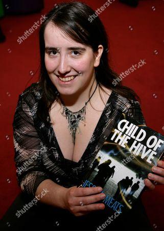 Redaktionelt billede af 'Child Of The Hive' Jessica Meats Book Promotion, Waterstones, Reading, Britain - 13 Feb 2010