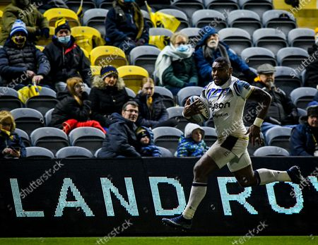 Stock Photo of Semesa Rokoduguni of Bath Rugby carries during the Gallagher Premiership match between Worcester Warriors and Bath Rugby, 05 December 2020.