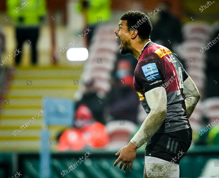 Nathan Earle of Harlequins celebrates his try during the Gallagher Premiership match between Gloucester Rugby and Harlequins, 06 December 2020.