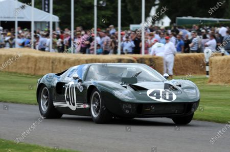 Goodwood Estate, West Sussex, England 30th June - 3rd July 2011 Peter Sutcliffe Ford GT40 World Copyright: Jeff Bloxham/LAT Photographic. Ref: Digital Image Only