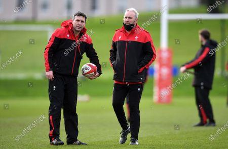 Stephen Jones and Wayne Pivac during training.
