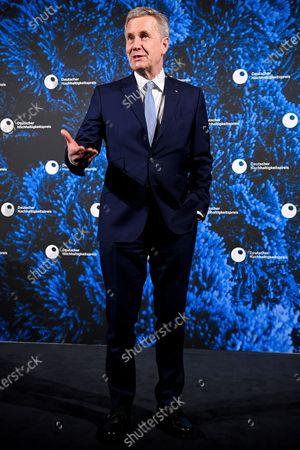 Former German President Christian Wulff arrives for the 13th German Sustainability Award 'Deutscher Nachhaltigkeitspreis' 2020 at Maritim Hotel in Duesseldorf, Germany, 04 December 2020.
