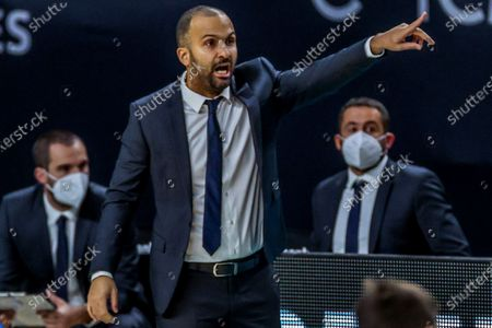 ASVEL's head coach TJ Parker reacts during the Euroleague game between Real Madrid and ASVEL Villeurbanne at WiZink Center in Madrid, Spain, 04 December 2020.