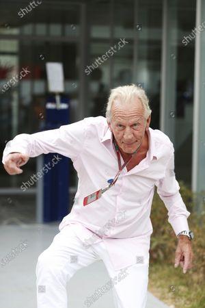 Korea International Circuit, Yeongam-Gun,South Korea. 14th October 2012. John Button dances Gangnam Style. World Copyright:Andrew Ferraro/LAT Photographic