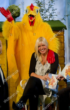 Editorial image of 'The Alan Titchmarsh Show'  TV Programme, London, Britain. - 19 Feb 2010