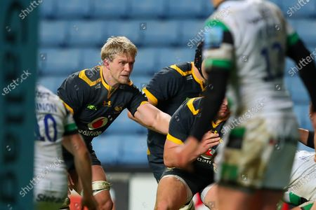 Ben Morris of Wasps at the back of a ruck