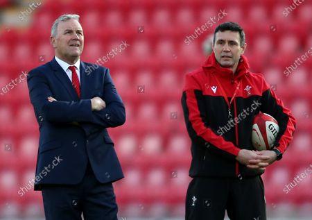 Wales Head Coach Wayne Pivac and Stephen Jones.