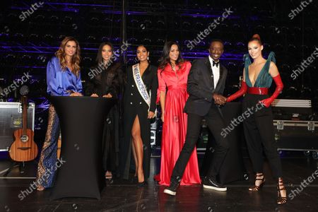 Stock Picture of Exclusive - Malika Menard, Vaimalama Chaves, Clemence Botino, Cindy Fabre, Ahmed Sylla Maeva Coucke