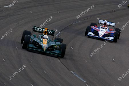 24-25 June, 2011, Newton, Iowa USA E J. Viso battles Alex Lloyd (c)2011, Dan Streck LAT Photo USA