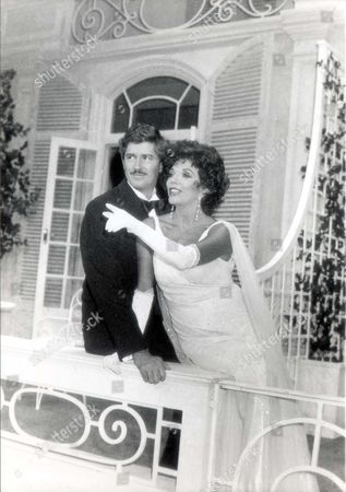 Play Private Lives (1990) At The Theatre Royal Bath. Picture Shows Joan Collins As Amanda And Keith Baxter As Elyst.