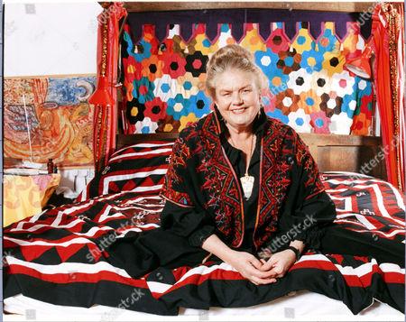 Sheila Kitzinger Britain's Leading Natural Childbirth Guru