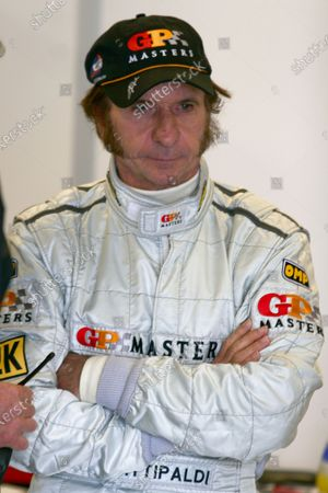 2006 Grand Prix Masters. Silverstone, England. 11th - 13th August. Emerson Fittipaldi. Portrait. World Copyright: Drew Gibson/LAT Photographic. Ref: Digital Image Only.