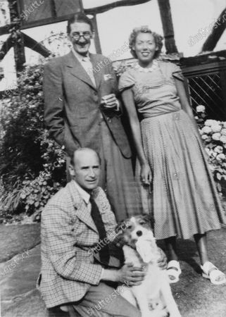 1930s portraits. Rex Hays (foreground), with Rodney Walkerley and his wife Freddie, portrait. World Copyright: Robert Fellowes/LAT Photographic Ref: 34VAR01