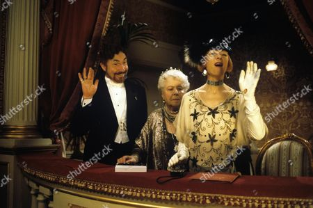 Nigel Hawthorne, Irene Handl and Geraldine McEwan
