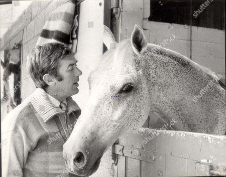 David Broome - 1980 David Broome With Philco. Picture Desk ** Pkt2109-145211