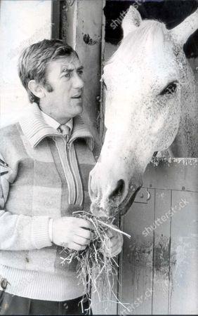 David Broome - Equestrian - Show Jumper - 19 June 1980 British Show Jumper David Broome With Philco. Picture Desk ** Pkt2110 - 145231