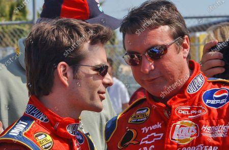 10-20 February, Daytona International Speedway, Florida, USA, 2005 Jeff Gordon and crew chief Robbie Loomis prior to the start of the event, World Copyright-Robt LeSieur 2005 USA