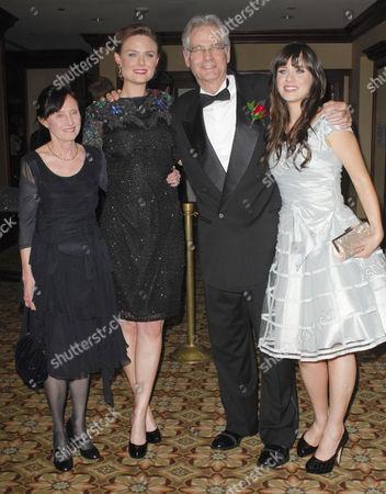 Mary Jo Deschanel, Emily Deschanel, Caleb Deschanel and Zooey Deschanel