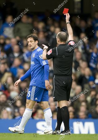 Juliano Belletti of Chelsea is sent off by the referee