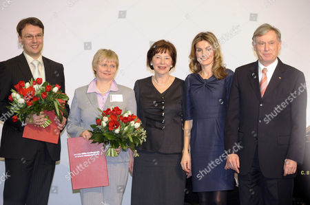 Crown Princess Letizia (2nd right), German President Horst Koehler (right) and Eva Luise Koehler (centre)
