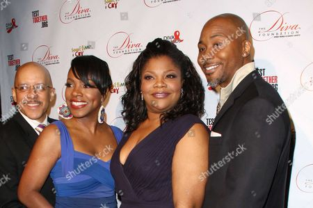 Vincent Hughes, his wife Sheryl Lee Ralph, Mo'Nique her husband, Sidney Hicks