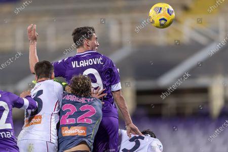 "Dusan Vlahovic (Fiorentina) Federico Marchetti  (Genoa)            during the Italian ""Serie A"" match between Fiorentina 1-1 Genoa  at  Artemio Franchi Stadium in Florence, Italy."