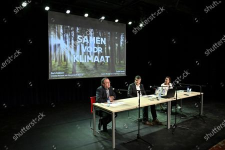 Koen T'Sijen, Boechout's mayor, Flemish Minister of Domestic Policy and Living Together Bart Somers and Flemish Minister of Environment, Energy, Tourism and Justice Zuhal Demir pictured during the presentation of the 'Local Energy Pact', in Boechout, Tuesday 08 December 2020.
