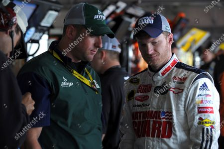 19-21 September, 2008, Dover, Delaware USA Dale Earnhardt Jr. and Billy Davis. ©2008, LAT South, USA LAT Photographic