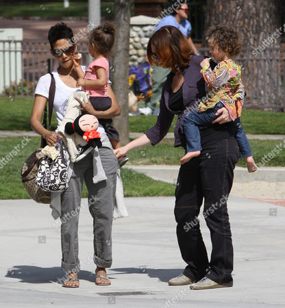Stock Photo of Halle Berry and daughter Nahla Ariela Aubry
