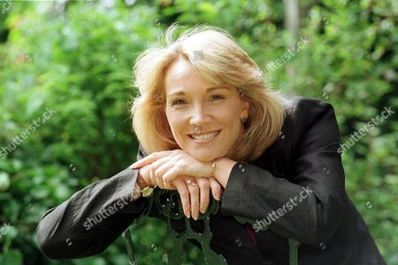 Actress Kim Taylforth Sister Of Eastenders Television Star Gillian Taylforth. Kim Is Joining The Cast Of Television Prog : Brookside.