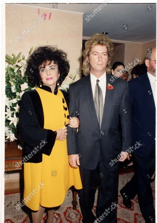 Actress Elizabeth Taylor And Her Husband Larry Fortensky At An Aids Fund-raising Event At The Mirabelle Restaurant In Mayfair London.