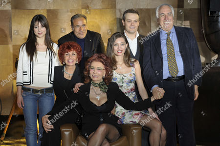 Gilda Lapardhaja, Enzo Decaro, Maria Scicolone, Sophia Loren, Margareth Made