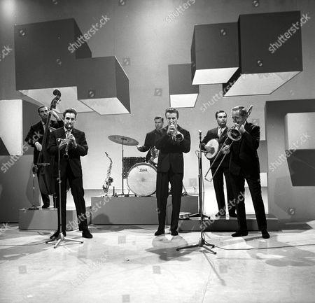 Bernard Delfont Presents: The Morecambe and Wise Show. Chris Barber's Jazz Band - Dick Smith, Ian Wheeler, Graham Burbidge, Pat Halcox, Eddie Smith and Chris Barber
