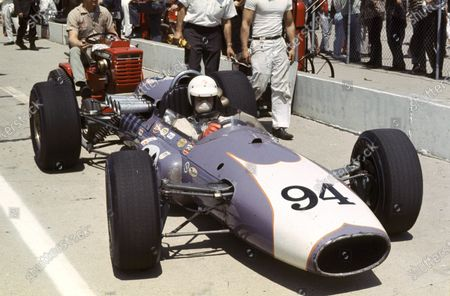 1966 Indianapolis 500. Indianapolis, USA. 30th May 1966. Mel Kenyon (Gerhardt-Offenhauser), 5th position. World Copyright - Dave Friedman/LAT Photographic. Ref: DIGITAL FILE ONLY