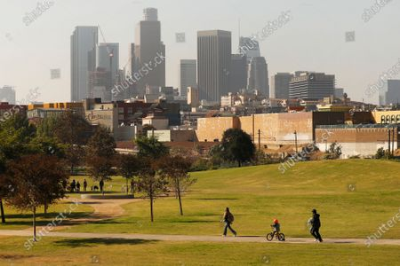 A company funded by former Dodgers owner Frank McCourt has proposed a $125 million gondola lift that would fly customers over Los Angeles State Historic Park from Union Station to Dodger Stadium and activists are weighing in. Parents with children and local residents savored the grand opening of the new park in 2017 sandwiched between Chinatown and the L.A. River. Los Angeles State Historic Park, about a 10-minute walk from City Hall, has blossomed into a popular 32-acre urban oasis. Los Angeles State Historic Park on Thursday, Nov. 19, 2020 in Los Angeles, CA. (Al Seib / Los Angeles Times