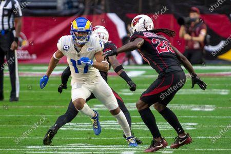 Los Angeles Rams wide receiver Robert Woods (17) in action against Arizona Cardinals cornerback Dre Kirkpatrick (20) during an NFL football game, in Glendale, Ariz