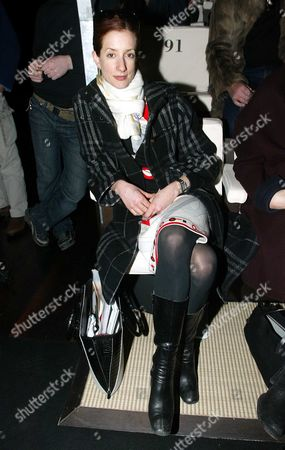 Vanessa Friedman From Ft Pictured Watching A Catwalk Show During Milan Fashion Week From The Front Row.