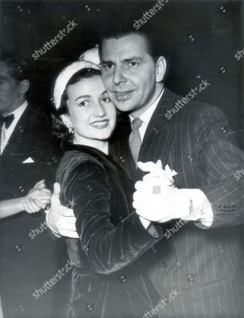 Actress Zena Marshall And Her Husband Band Leader Paul Adam Dancing Together In A West End Club - 1981......divorced . Zena Marshall Died 10/7/2009