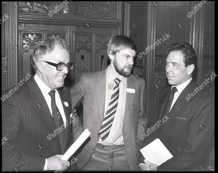 Lord Snowdon - January 1981 Launching The International Year Of The Disabled At The Guildhall London This Afternoon Was Lord Snowdon Who Is Pictured Flanked By Brian Rix And Norman Croucher Who Despite Having Lost Both Legs In A Train Accident Is Climbing High Peaks In The Andes Shortly.