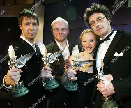 From Left: Paddy Considine (best Actor) Simon Pegg (peter Sellers Award For Comedy) Nathalie Press (most Promising Newcomer) And Pawel Pawlikowski (best Screenplay) Winners At The 2005 Evening Standard British Film Awards.