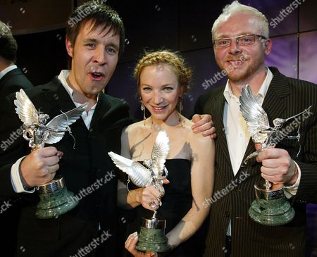 From Left: Paddy Considine (best Actor) Nathalie Press (most Promising Newcomer) And Simon Pegg (peter Sellers Award For Comedy) Winners At The 2005 Evening Standard British Film Awards.
