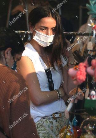 Ana de Armas goes shopping at the 3rd Street Promenade in Santa Monica