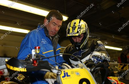 2002 Supermoto Winter Racing Brands Hatch, England. 8th December 2002 Mark Blundell and Clive Wood - Team Manager of Jack Lilley Racing World Copyright - Bloxham / LAT Photographic