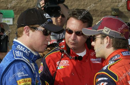 27-28 August, 2004, California Speedway, California, USA, Brian Vickers with Robbie Loomis and Jeff Gordon, Copyright-Robt LeSieur 2004 USA LAT Photographic