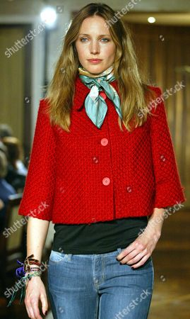 Cecilia Chancellor Pictured Modelling Designs For High Street Chain Gap During Their Autumn Collection Show In Mayfair London.