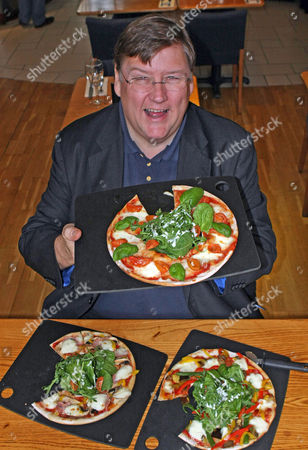 The New Diet Pizza From Pizza Express Es Food Critic Charles Campion