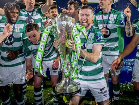 SSE Airtricity League Premier Division, Tallaght Stadium, Dublin 4/11/2020. Shamrock Rovers vs St. Patrick's Athletic. Shamrock Rovers Jack Byrne lifts the SSE Airtricity League Premier Division trophy