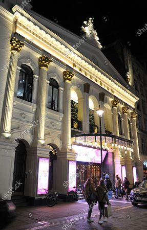 The Palladium Theatre GV. The cast of Pantoland at the Palladium at the London Palladium. Starring Julian Clary, Elaine Paige, Ashley Banjo & Diversity, Paul Zerdin, Nigel Havers, Gary Wilmot, Charlie Stemp, Jac Yarrow and special guest Beverley Knight Showing from Saturday the 12th of  December2020 until Sunday the 3rd of January 2021.