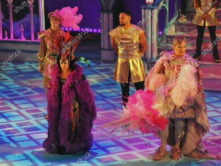 The cast of Pantoland at the Palladium at the London Palladium. 2nd Row (L-R)Charlie Stemp,Ashley Banjo. Front Row(L-R)Elaine Paige,Julian Clary.  Showing from Saturday the 12th of  December2020 until Sunday the 3rd of January 2021.