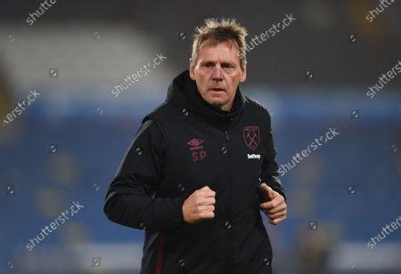 West Ham coach Stuart Pearce during the warm up